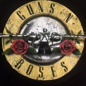 Forever 21 Tops - Guns n Roses cold shoulder top 🔥